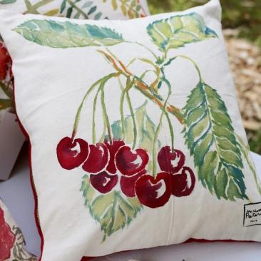 """""""Cerises grappe"""" 40x40cm - dessus coton métis - dessous rayures matelas rouge et écru - 45€ (coussin non fourni)"""