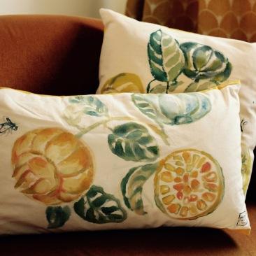 """""""citron bergamote"""" - 40x65cm - coton métis (50% coton/ 50%lin) - dos en coton jaune - 48€ (coussin non fourni)"""