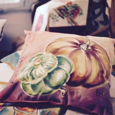 """""""courge turban"""" - 65x65cm - coton métis (50% coton/ 50%lin) dos coton texturé rose orangé - 55€ (coussin non fourni)"""