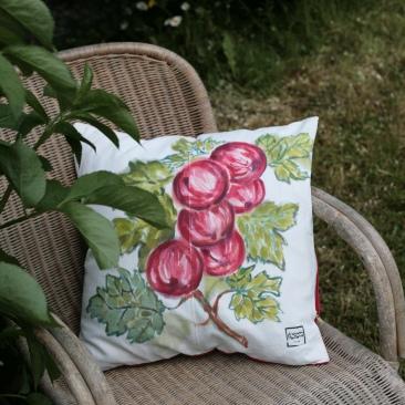 """""""groseilles"""" - 50x50cm - coton métis (50% coton/ 50%lin) - dos en coton rouge - 48€ (coussin non fourni)"""