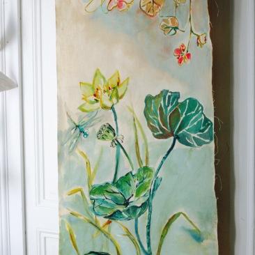 « lotus et libellule » 60x150 cm – toile de coton métis écru – 150€