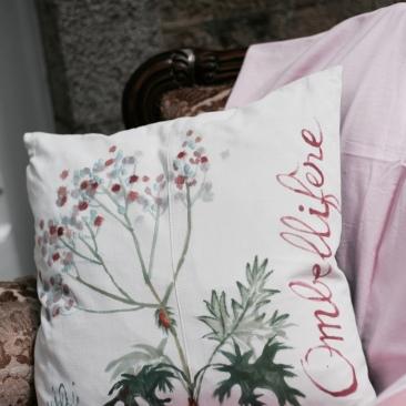 """""""ombellifère"""" - 50x50cm - coton métis (50% coton/ 50%lin) - dos coton vieux rose - 48€ (coussin non fourni)"""