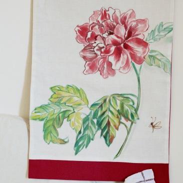 « pivoine » 45x70 cm – dessus lin blanc, doublé coton rouge framboise – 75€